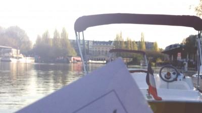 Une balade en bateau sur les canaux parisiens