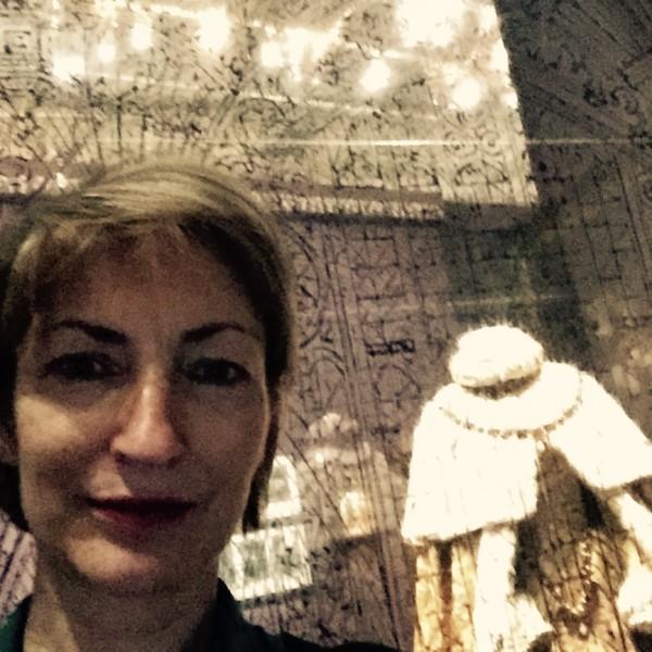 Juliette a joué le jeu du selfie au coeur de l'exposition !
